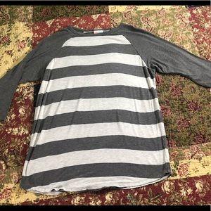 Lula Roe Gray/white striped tunic